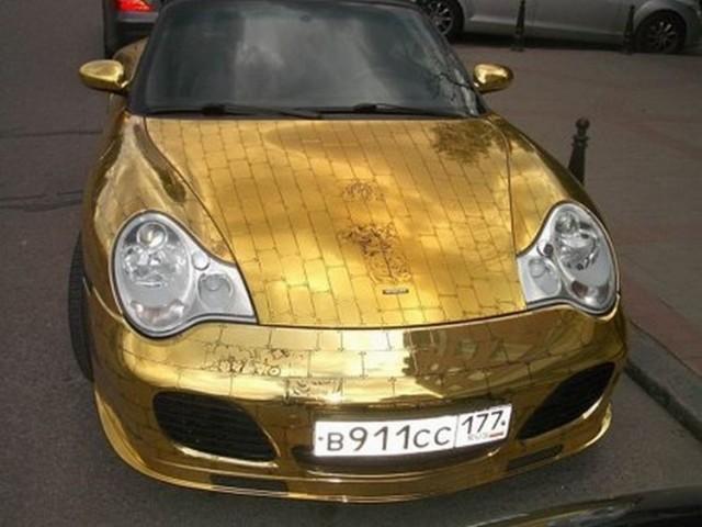 golden_porsche_17