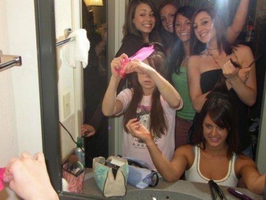 girl_mirror_25