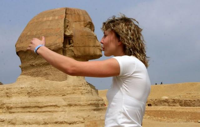 egipt_kissing_sphinx