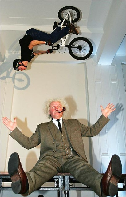 extreme_sports_stunts__fly-bike