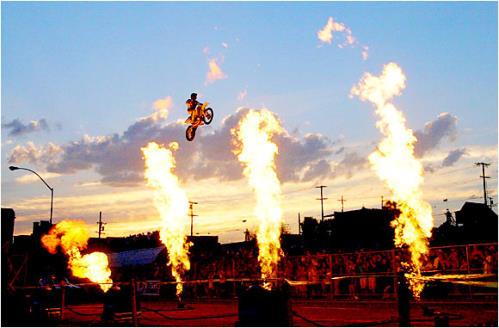 extreme_sports_stunts__moto