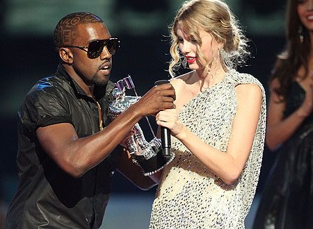 kanye-west-ruins-taylor-swift-fail-mtv-video-music-awards-2009