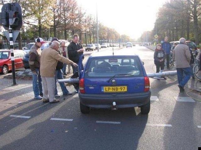 lucky-tube_car-accident_04
