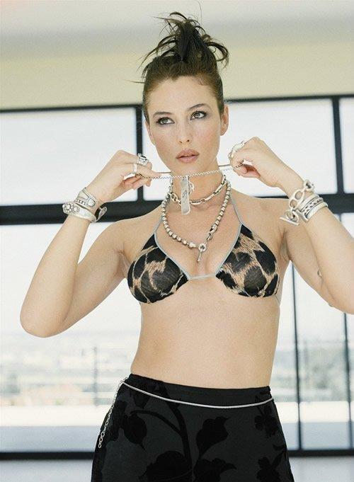 sexy_monica_bellucci_show_8