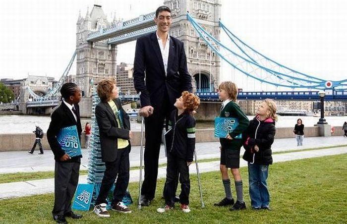 sultan-kosen-worlds-tallest-man-4