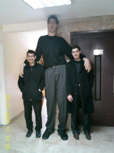 sultan-kosen-worlds-tallest-man-9