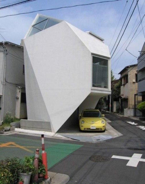 tokyo-strange-shaped-house-design