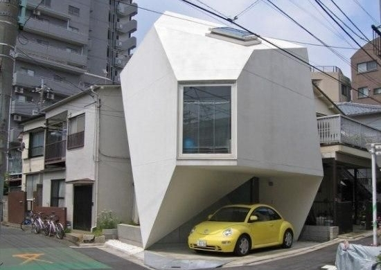 tokyo_strange-shaped-futuristic-origami-house