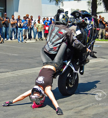 world_s_craziest_stunts__moto