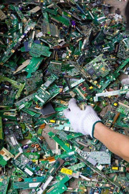 electronic_waste_guiyu_04