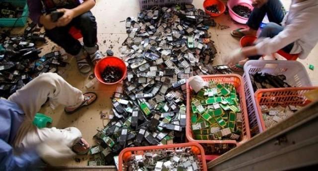 electronic_waste_guiyu_guinyu_01
