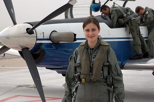 beautiful-female-military-around-the-world-female_helenic_air_force_pilot