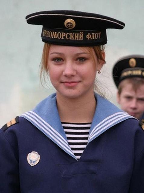 beautiful-female-military-around-the-world-female_russian_sailor