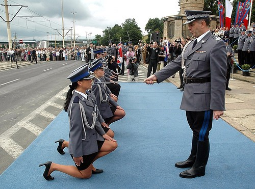 beautiful-female-military-around-the-world-polish_female_police_cadets