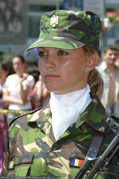 beautiful-female-military-around-the-world-romania_female_soldier