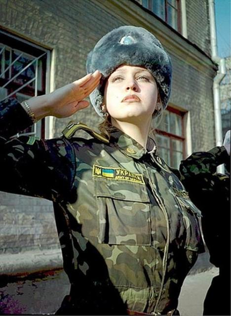 beautiful-female-military-around-the-world-ukranian_military_woman