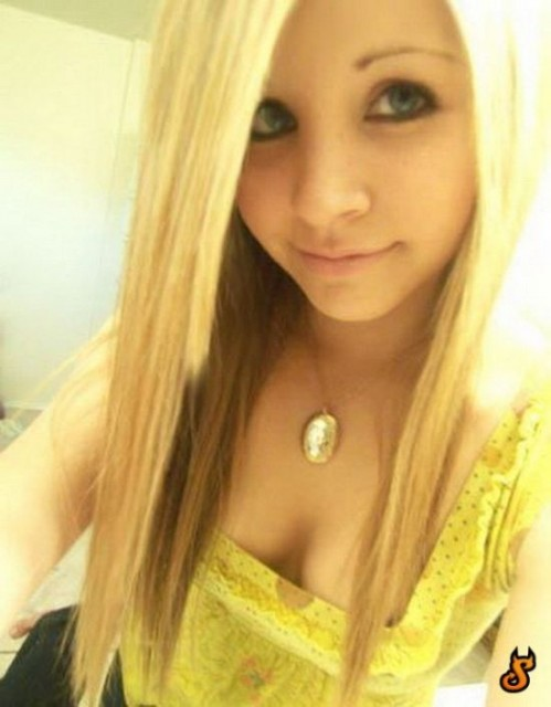 cute_emo_girls_26