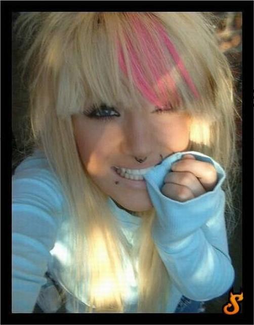 cute_emo_girls_35