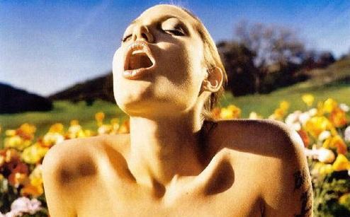 angelina_jolie-orgasm