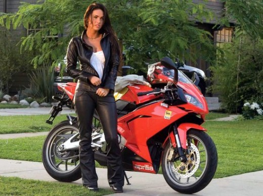 Megan-Fox-Motorbike-celebrity-moto